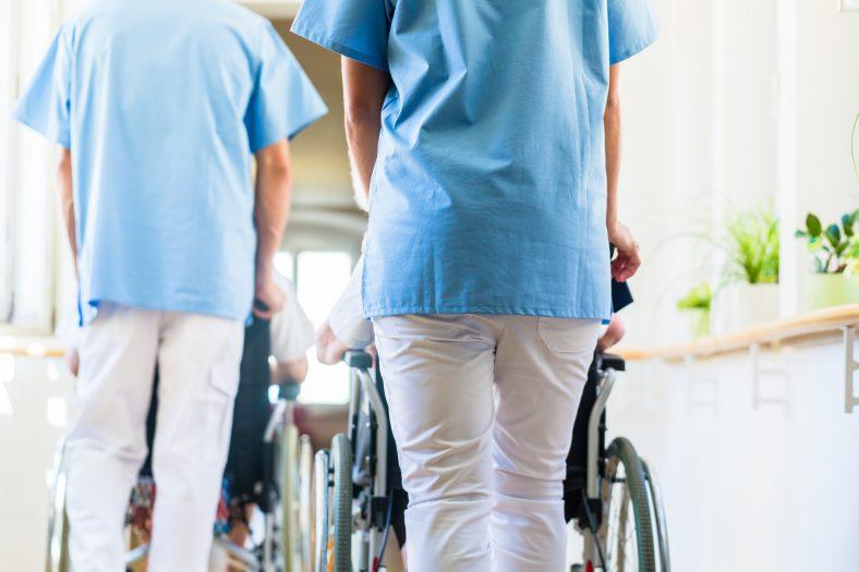 「2025年問題」看護はどうするどうなる?気になるポイント4つ